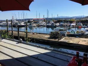 Outside dining at our favorite dockside restaurant.